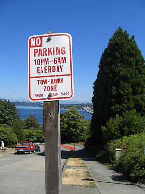 """No Parking Everday"" sign"